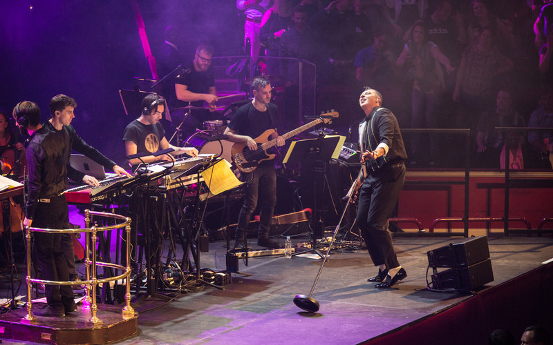 Pete tong brings the spirit of ibiza to the hall in a for Ibiza house orchestra