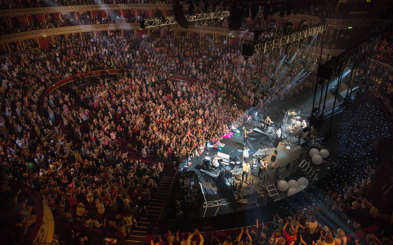 Cliff Richard at the Royal Albert Hall. Photo: Andy Paradise, 2015)
