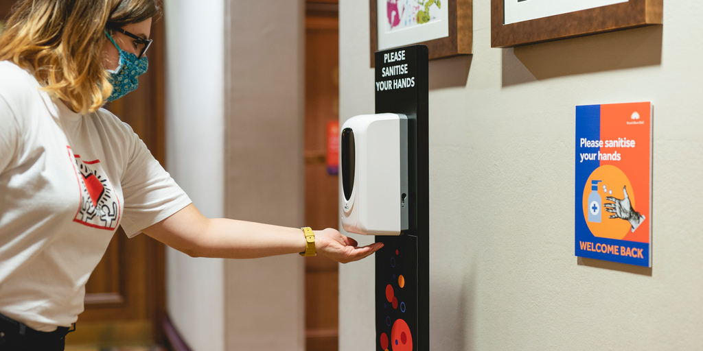 Contactless hand sanitising station